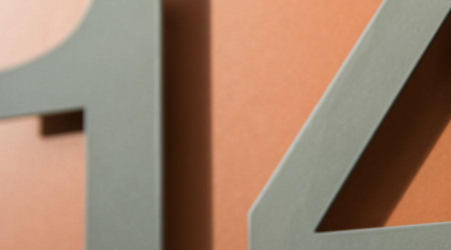 Immobilie Heuledi Oberarth: Detailaufnahme mit Beschriftung Hausnummer