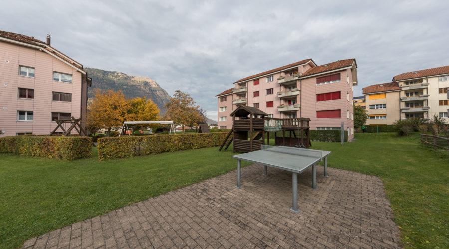 Mietwohnungen Rischi, Oberarth: Spielplatz mit Tischtennis